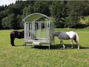 Heuraufen für Pferde - flexibel und sicher